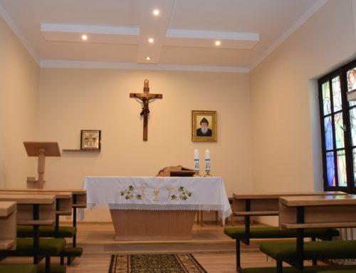 Powstała domowa kaplica w budynku plebanii.